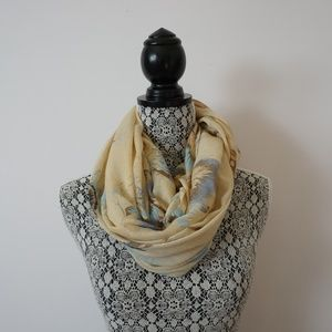 ✨2/$10✨ Cherie Bliss Feather Pattern Fashion Scarf